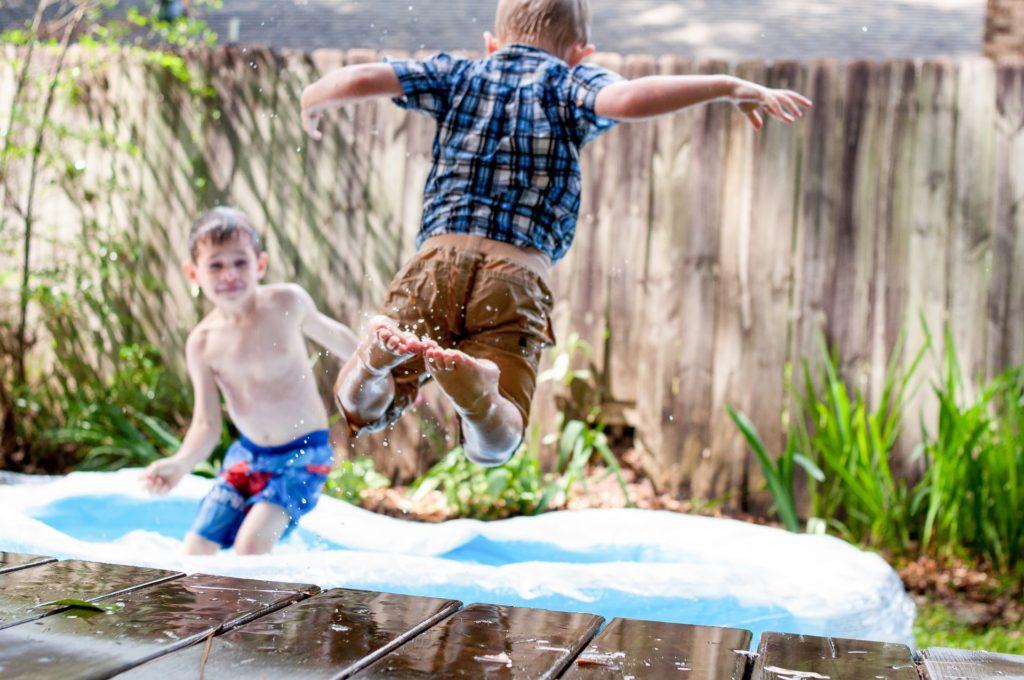 Pulando na piscina dos Negócios - Foto Brandon Morgan, Unsplash