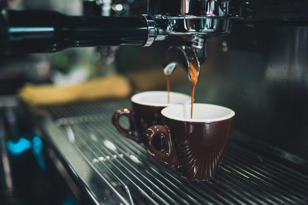 Vamos Tomar um café - Foto Chevanon Photography, Pexels